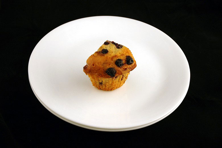 200 calories of blueberry muffin 72 grams 2 What 200 Calories of Various Foods Looks Like