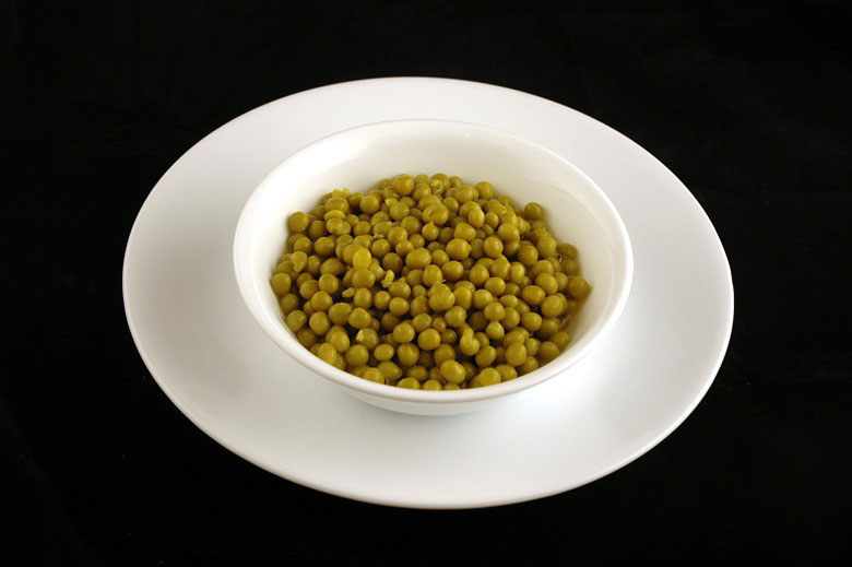 200 calories of canned green peas 357 grams 12 What 200 Calories of Various Foods Looks Like