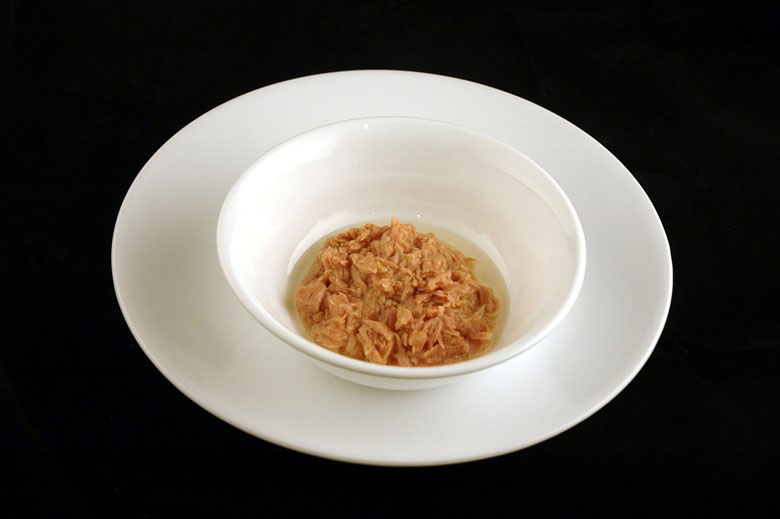 200 calories of canned tuna in oil 102 grams 3 What 200 Calories of Various Foods Looks Like