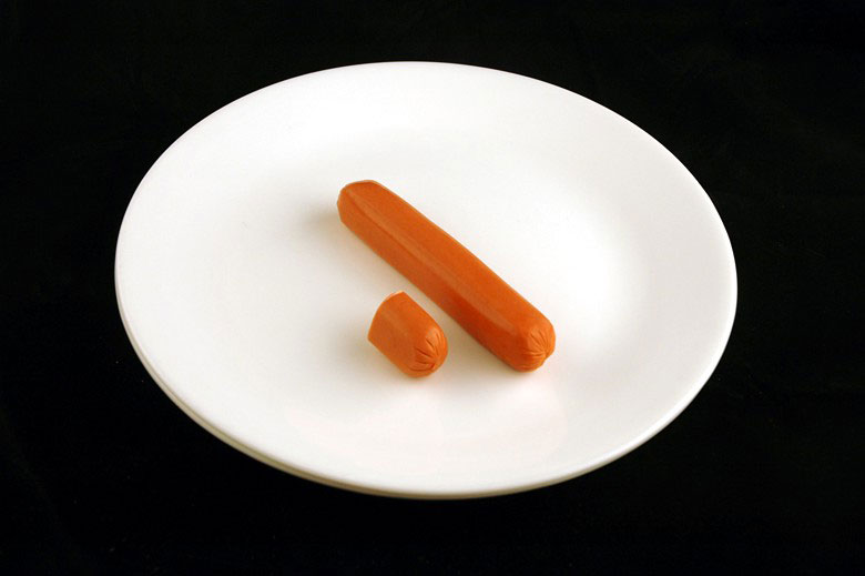 200 calories of hot dog 66 grams 2 What 200 Calories of Various Foods Looks Like