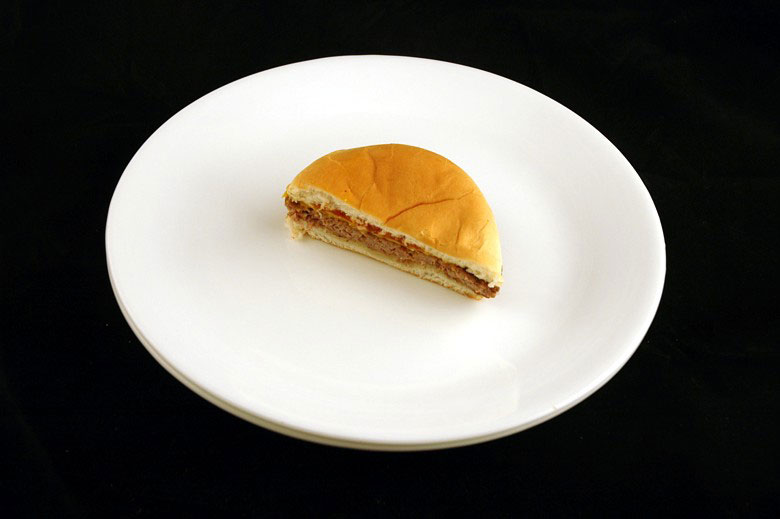 200 calories of jack in the box cheeseburger 75 grams 2 What 200 Calories of Various Foods Looks Like