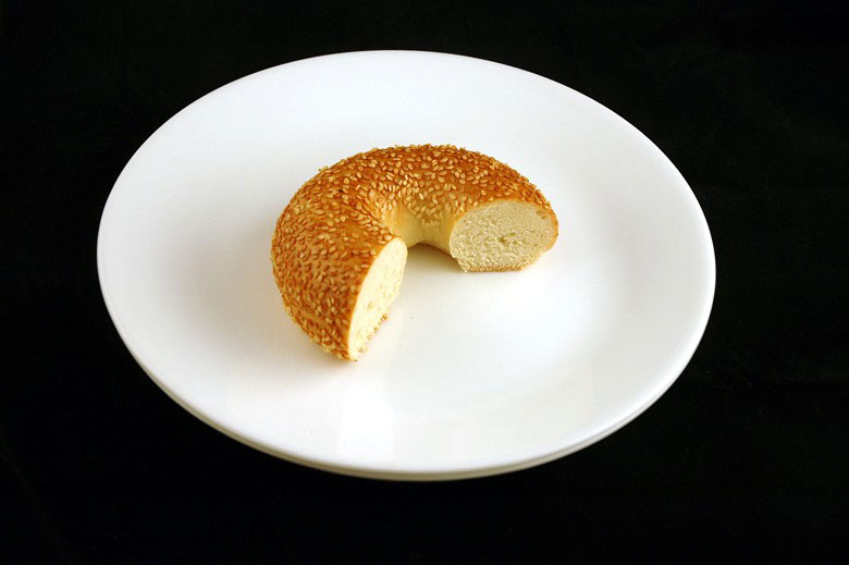 200 calories of sesame seed bagel 70 grams 2 What 200 Calories of Various Foods Looks Like