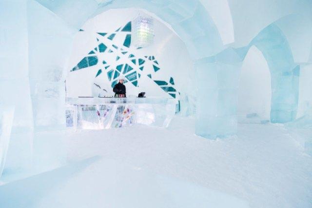 ICEBAR_BY_ICEHOTEL_Jukkasjarvi_-_Photo_Paulina_Holmgren_800x533_72_100