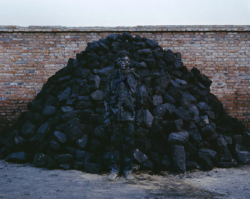 liu bolin art hi res hide in the city china camouflage painting (18)