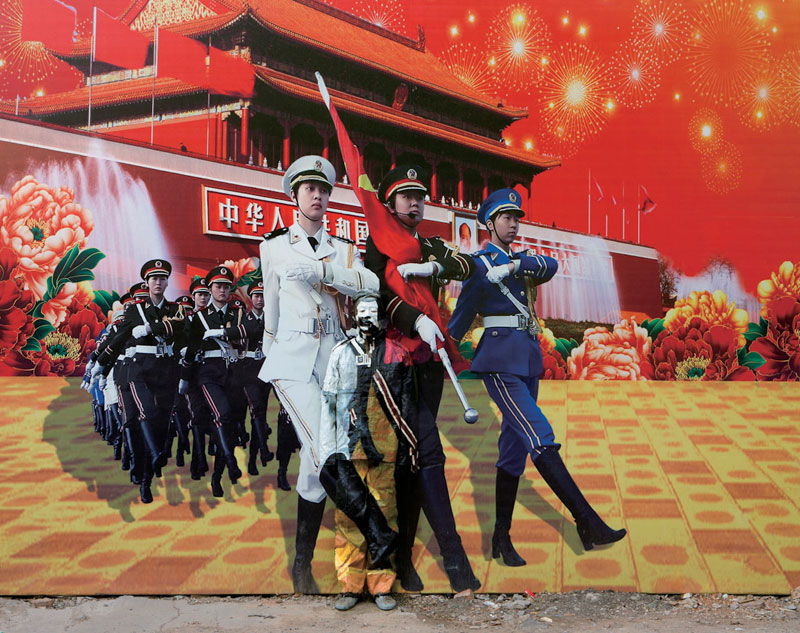 liu bolin art hi res hide in the city china camouflage painting (21)