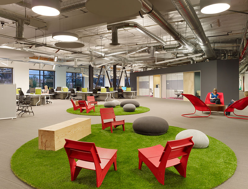 skype na headquarters palo alto offices by blitz matthew millman 7 This 1,100 ft long Office Desk Seats All 125 Employees