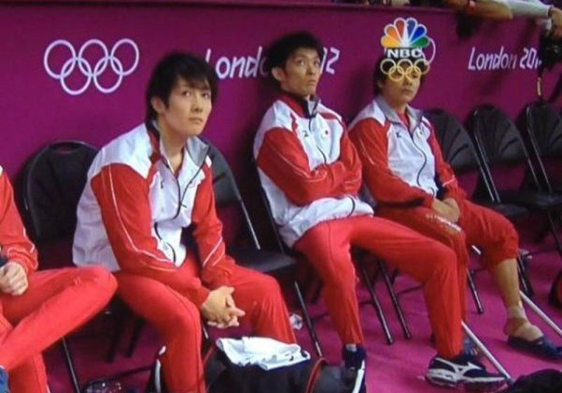 2012 olympics perfectly timed graphic overlay oympic ring glasses The 50 Most Perfectly Timed Photos Ever