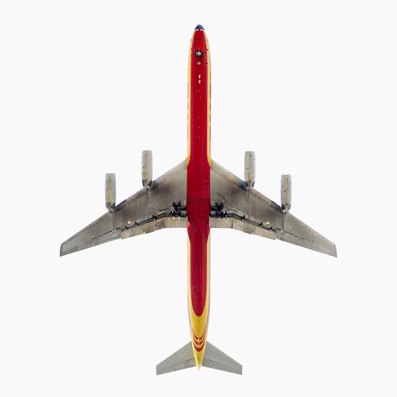 DHL-Cargo-Douglas-DC-8-directly-overhad-jeffrey-milstein