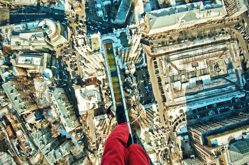extreme rooftopping skywalking photos mustang-wanted russia (10)
