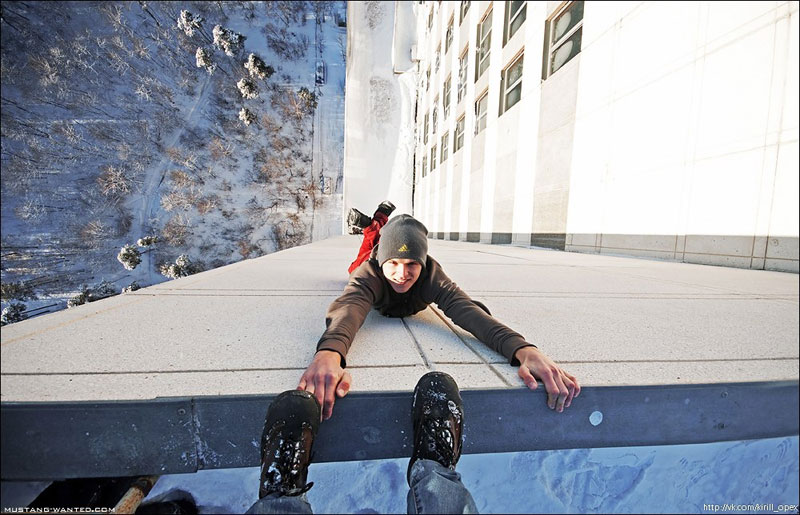 extreme rooftopping skywalking photos mustang-wanted russia (11)