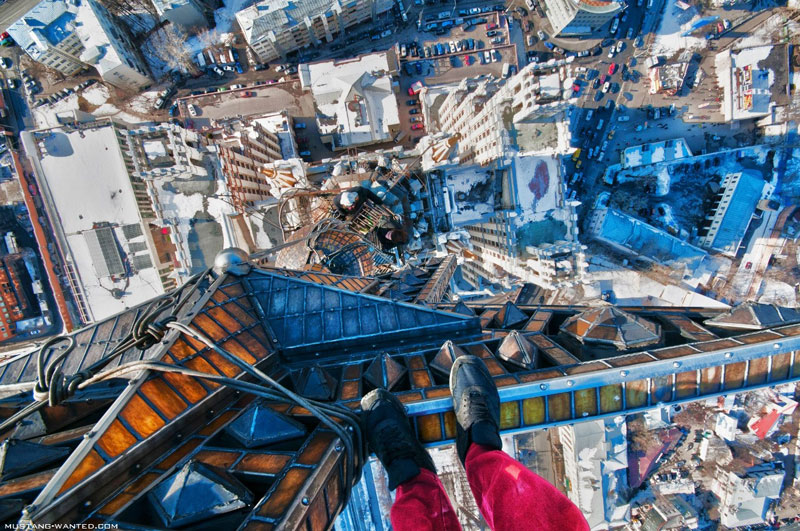 extreme rooftopping skywalking photos mustang-wanted russia (13)