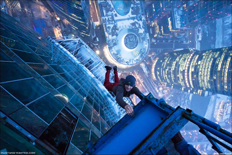 extreme rooftopping skywalking photos mustang-wanted russia (16)