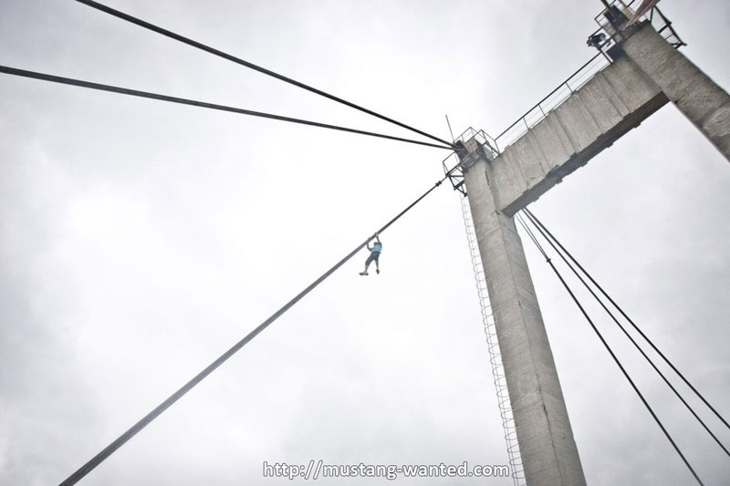 extreme rooftopping skywalking photos mustang-wanted russia (3)