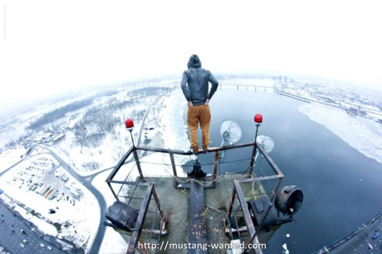 extreme rooftopping skywalking photos mustang-wanted russia (5)