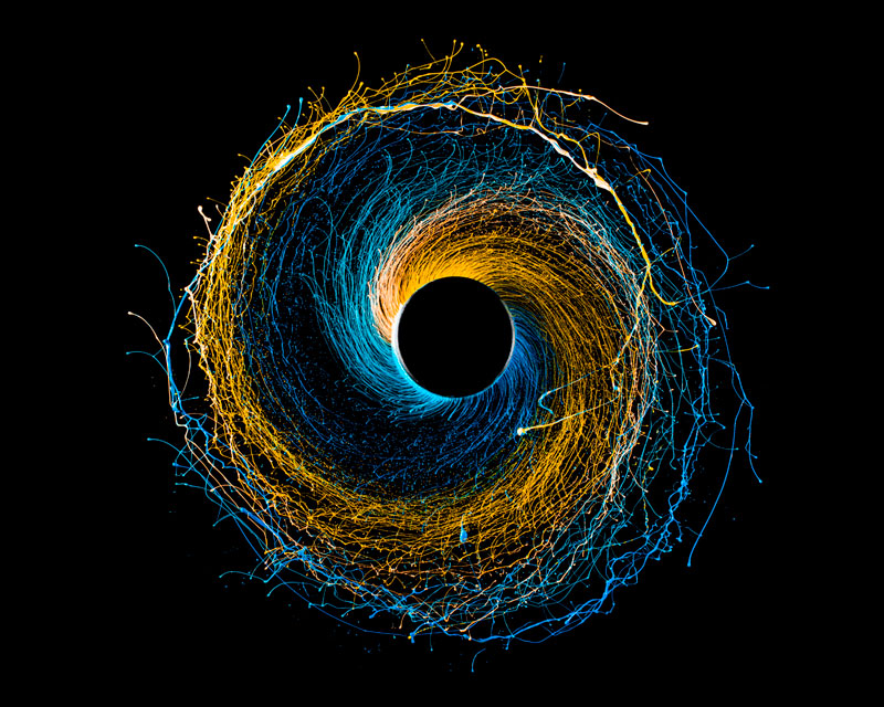 11 High-Speed Photographs of Swirling Paint