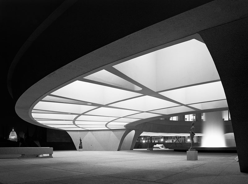 Hirshhorn-Museum,-Skidmore,-Owings-&-Merrill,-Washington,-D.C