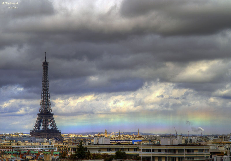 horizon rainbow in paris Picture of the Day: A Horizon Rainbow in Paris