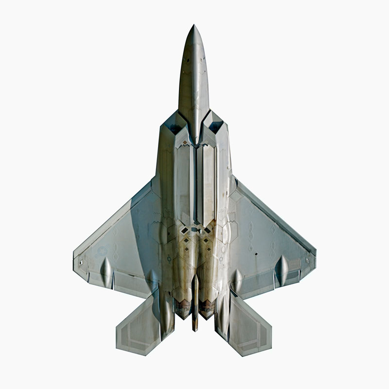 Jeffrey_Milstein_Lockheed_Martin_F_22A_Raptor_directly-overhead