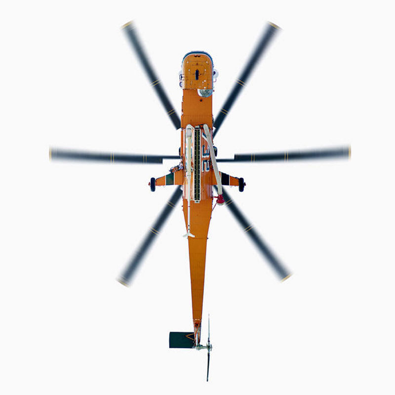 Jeffrey_Milstein_Sikorsky_SK_64E_Helicopter_directly-overhad