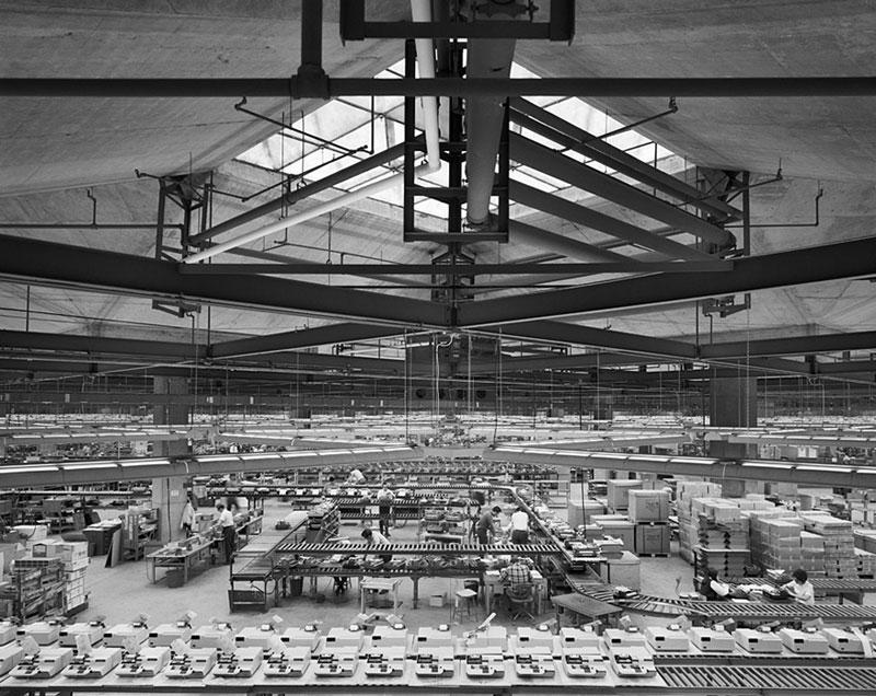 Olivetti-Underwood-Factory,-Louis-Kahn,-Harrisburg,-PA,-1969--ezra-stoller