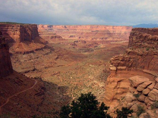 white-rim-road-canyonlands-national-park-utah