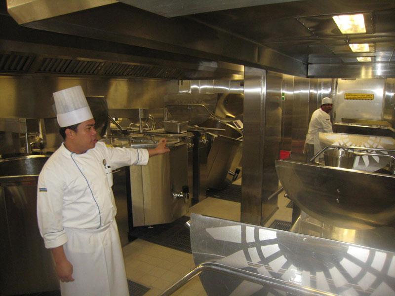 allure of the seas kitchen (10)