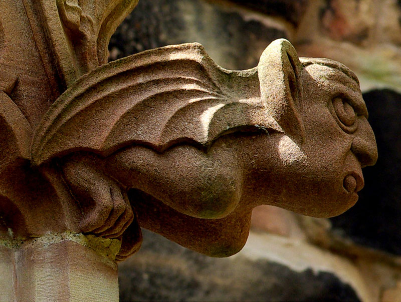gargoyle close up 40 Gargoyles and Grotesques Around the World