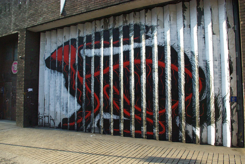 lenticular bunny rabbit street art by roa london 2009 (4)