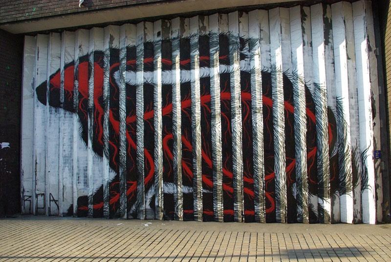 lenticular bunny rabbit street art by roa london 2009 (5)