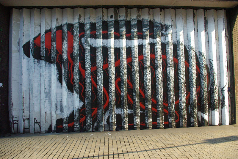 lenticular bunny rabbit street art by roa london 2009 (6)
