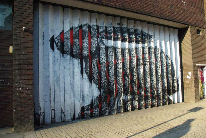 lenticular bunny rabbit street art by roa london 2009 (8)