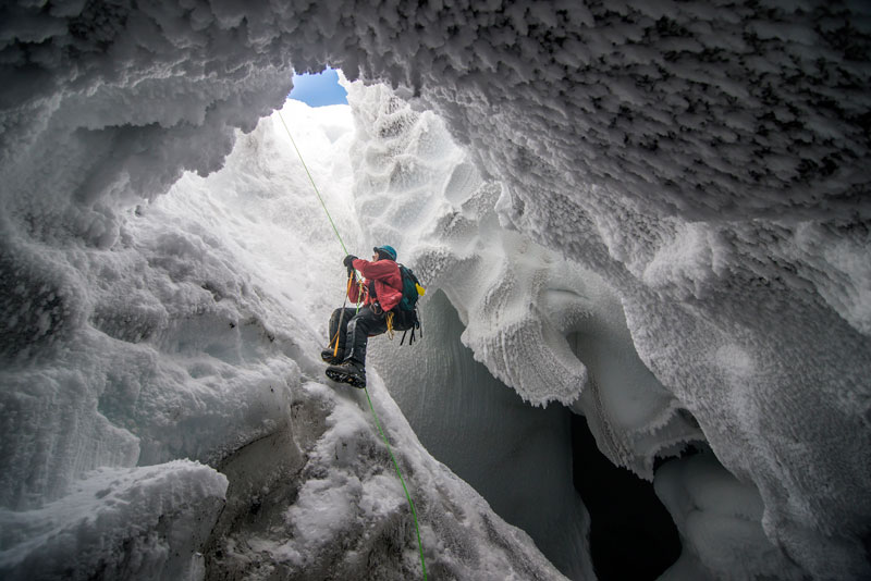 Mount-Erebus-Ice-Cave