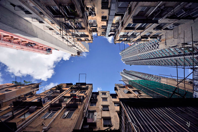 romain jacquet-lagreze vertical horizon looking skywards hong kong skyscrapers (2)