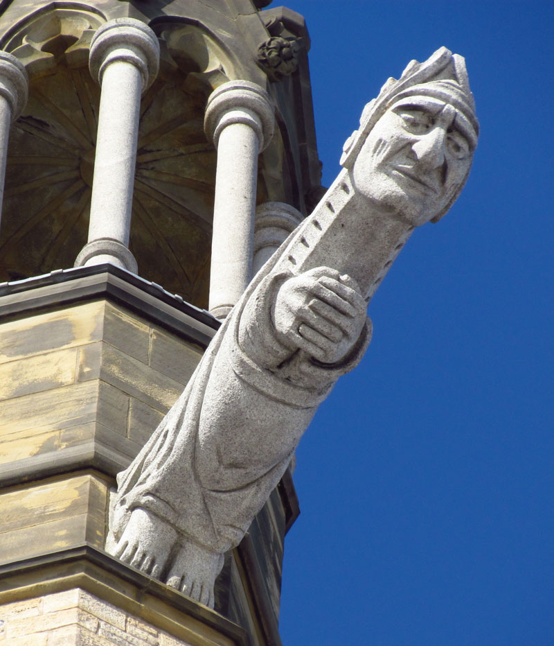 South-east_grotesque_on_Peace_Tower-ottawa-canada