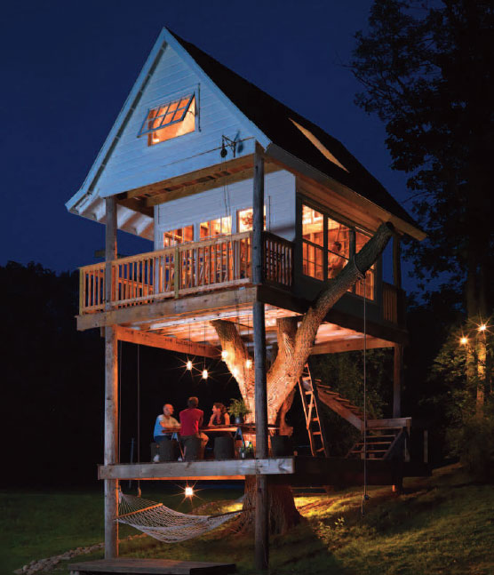 adult treehouse camp wandawega lake resort wisconsin 2 This Furniture Gives New Meaning to the Term Ceiling Cat