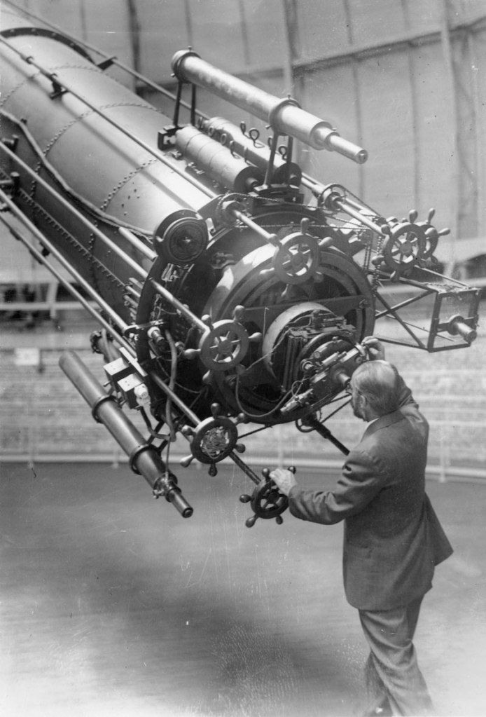 Picture of the Day: Observing Mars in 1926