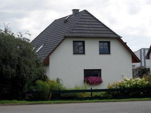 Risultati immagini per facciate di case che sembrano facce