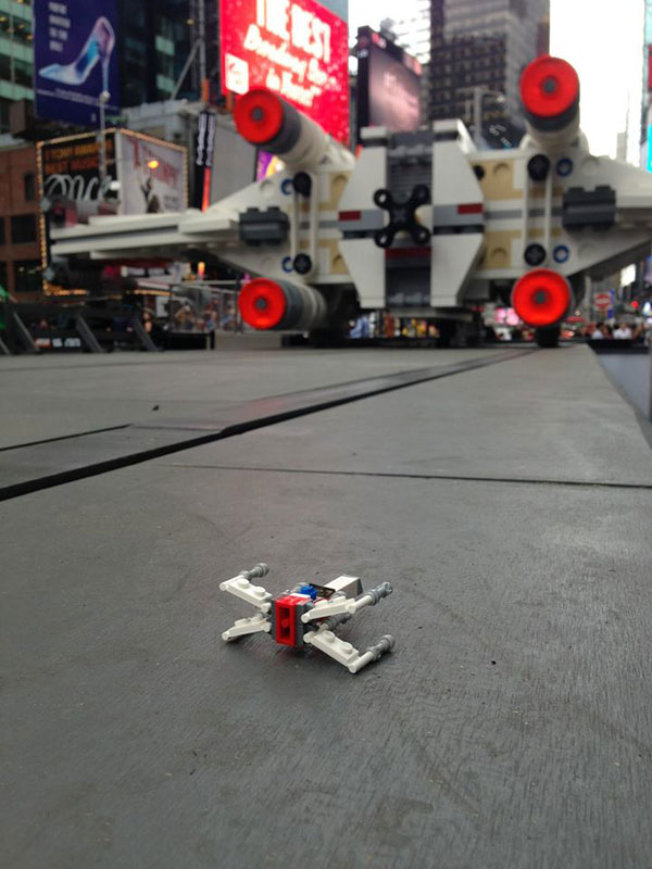 lego star wars x-wing largest lego sculpture ever (1)