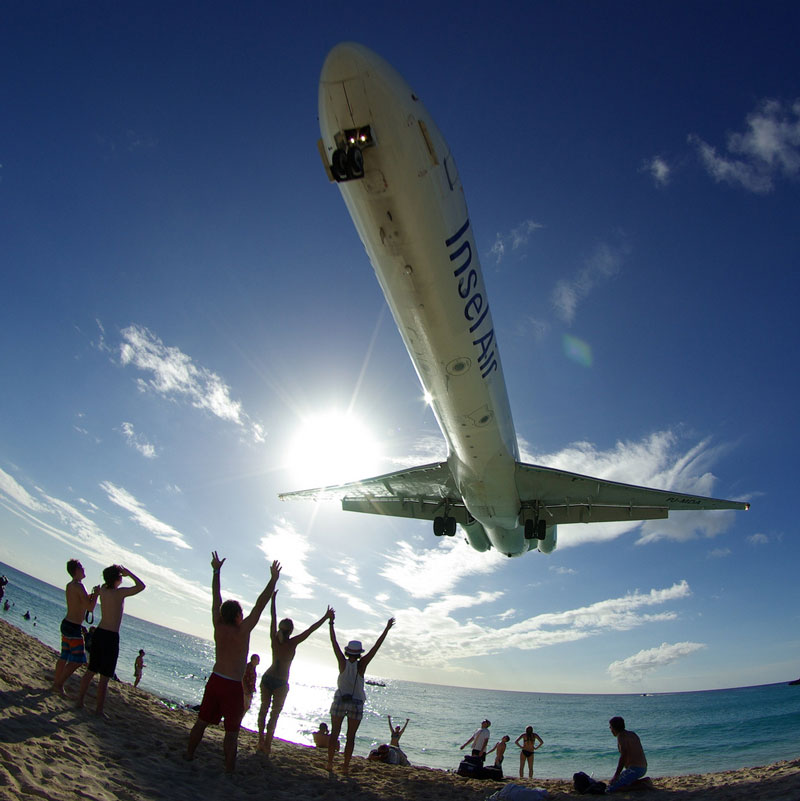 maho beach saint martin planes flying overhead Extreme Plane Spotting at Maho Beach, Saint Martin