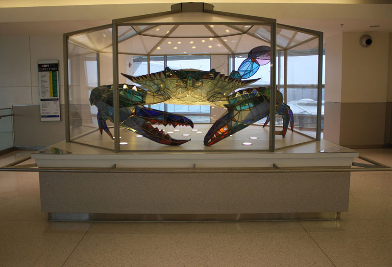 stained glass blue crab baltimore-washington international jackie leatherbury douglass callinectes douglassi (1)