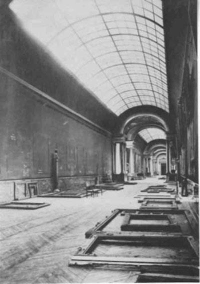the grande galerie louvre empty world war 2