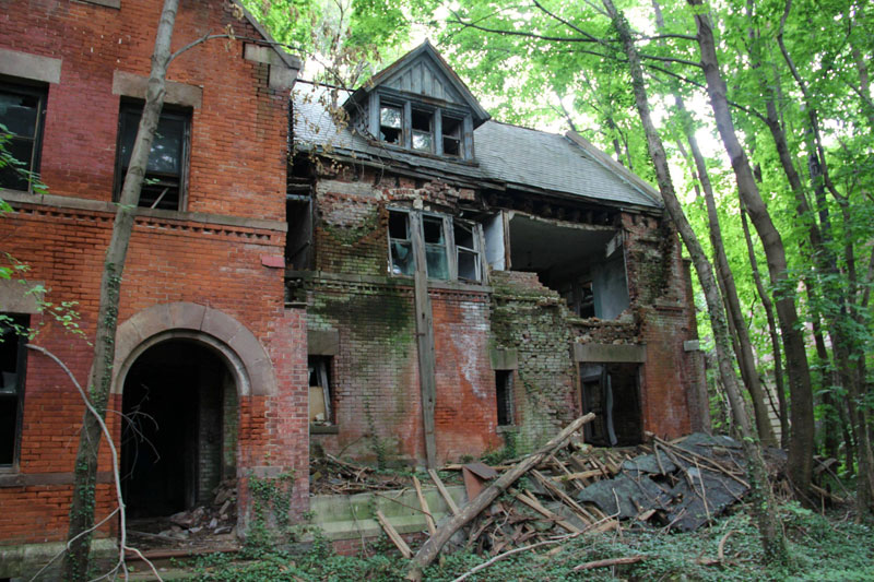 abandoned island new york city north brother island (17)