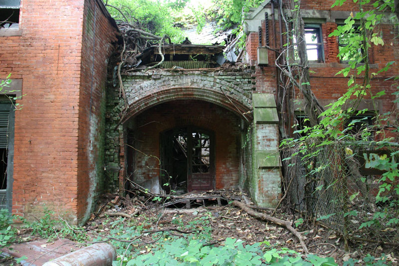 abandoned island new york city north brother island (4)