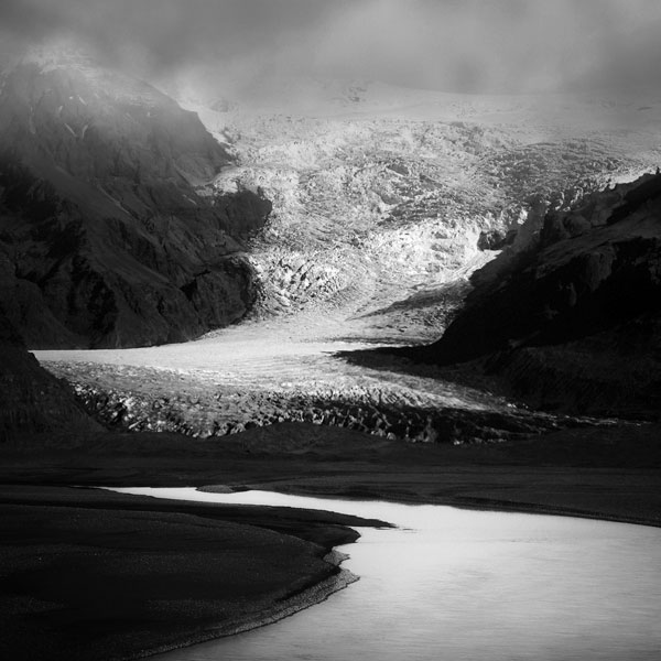 black and white photo tour of iceland peter zeglis (10)