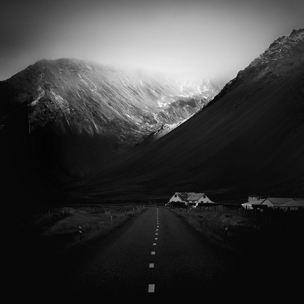 black and white photo tour of iceland peter zeglis (11)