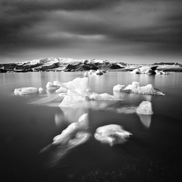 black and white photo tour of iceland peter zeglis (13)