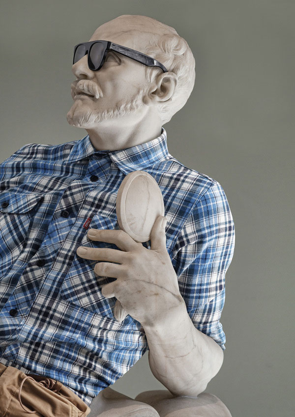 classic statues in modern clothes leo caillard alexis persani (1)