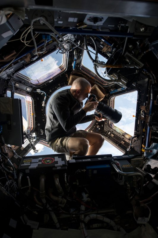 iss cupola the window to the world 1 The 2013 Supermoon in Photos