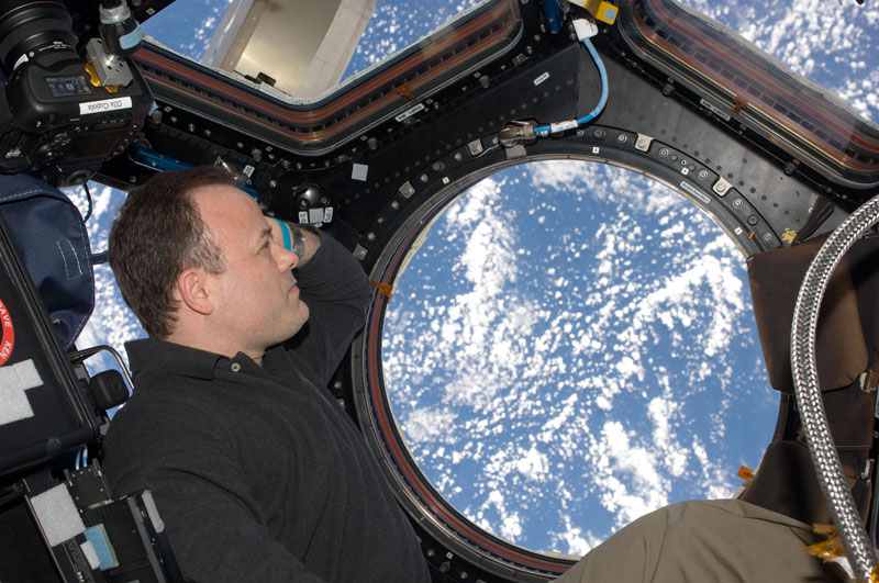 iss cupola the window to the world (8)
