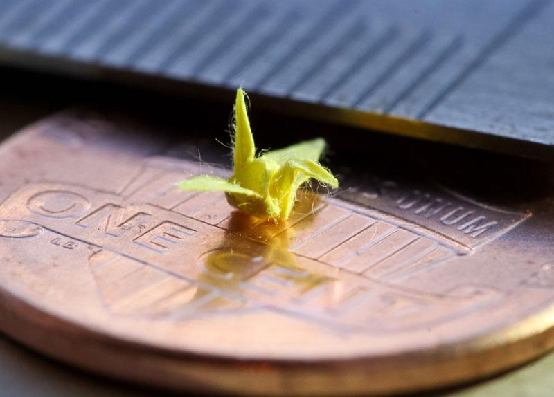 origami-miniature-micro-crane